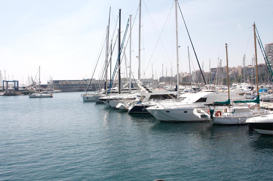 acceso-mar-puerto-marina-alicante